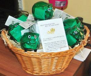 Photo of green piggy bankc